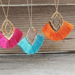 Gold Necklace w Pink Tassel